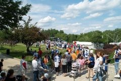 2008 BBQ Ribfest: The line of those waiting for autographs