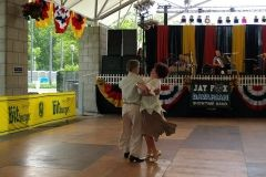 2008: Two dancers