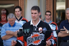Komets player Guy Dupuis