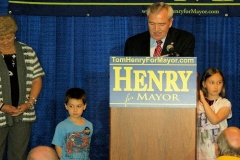 Sandy Kennedy, Mayor Tom Henry and his grandchildren