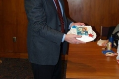 2009/01/20: Councilman Mitch Harper with an Obama 'Hope' cake